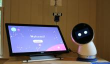 Social robot with tablet